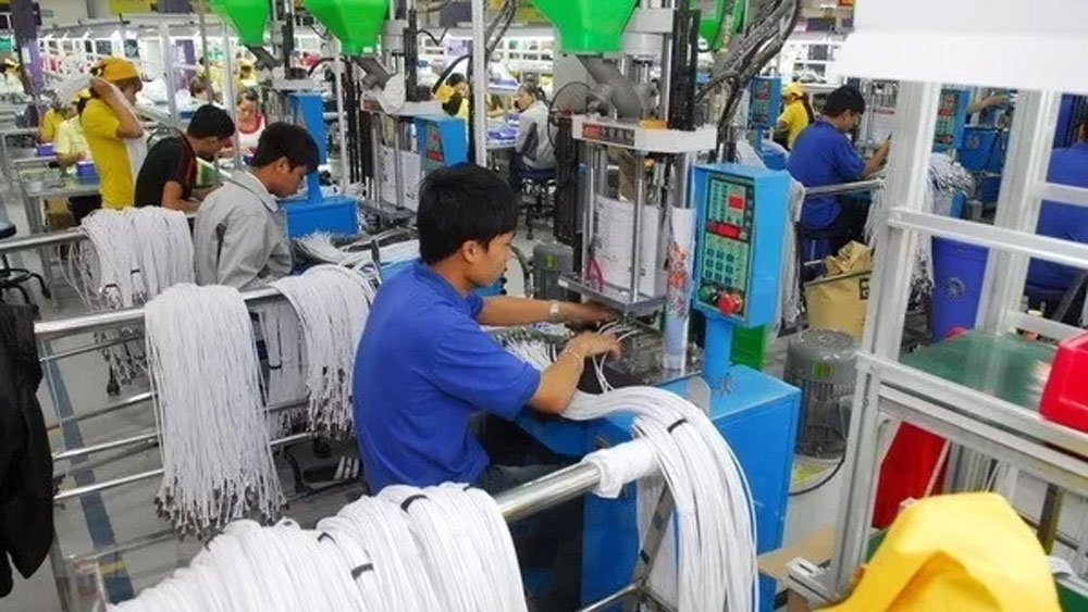 Vietnam attracts over US$24 billion FDI capital in eight months