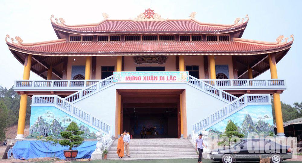 Inauguration ceremony, main hall, Truc lam Phuong Hoang, Zen Monastery, spiritual tourism spotlight, Bac Giang province, local tourism development, Non Vua Mount, highest summit, Gieng troi, Thien huyet, entertainment area, leisure tourism site