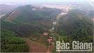Khe Hang Dầu dưới cánh núi Phượng