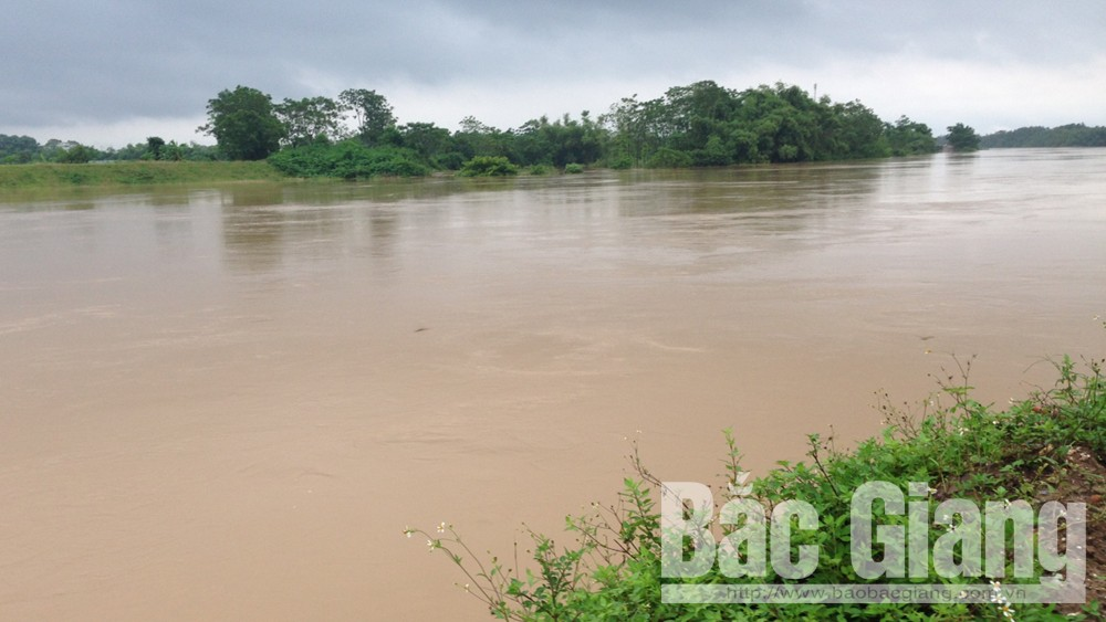 Bắc Giang phát lệnh báo động 2 trên sông Thương, báo động 1 trên sông Cầu