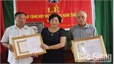 Sơn Động: 40 đảng viên được trao tặng Huy hiệu Đảng đợt 2-9