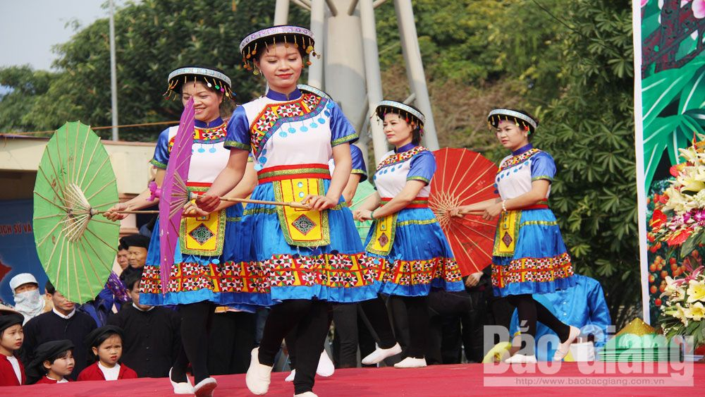 People in mountainous areas enjoy Independence Day