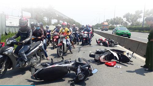 Bình quân mỗi ngày xảy ra 49 vụ tai nạn giao thông