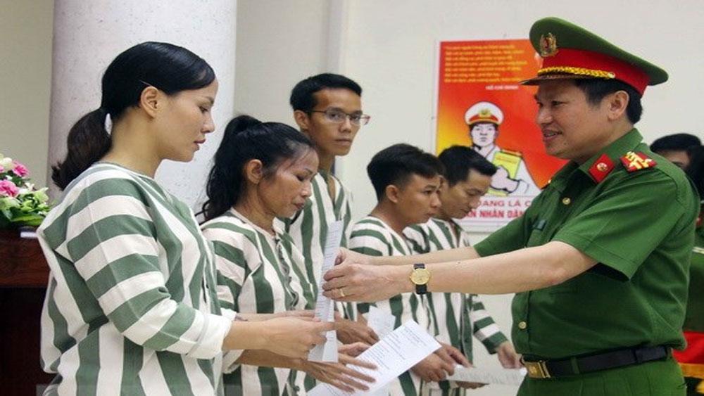 Tha tù, thời hạn, khuyến khích, phạm nhân, học tập, cải tạo