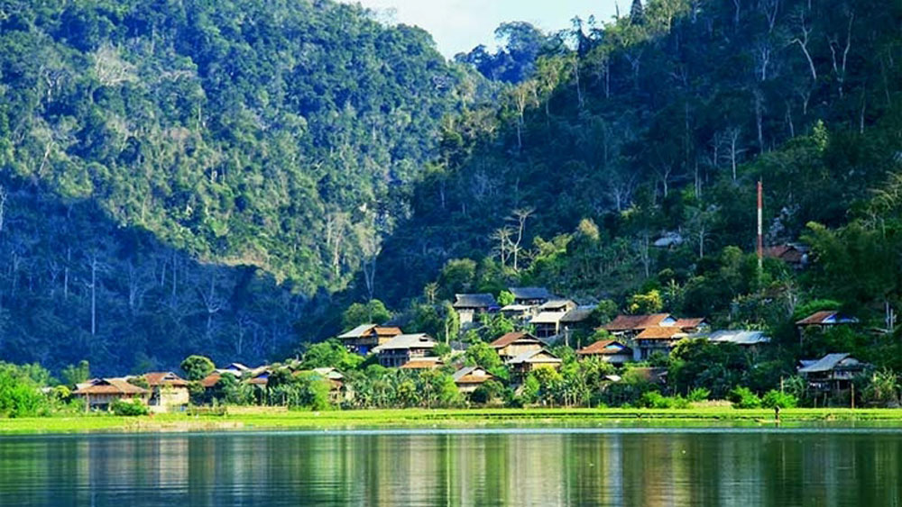 Homestay tourism boosts income of local Tay people around Ba Be lake
