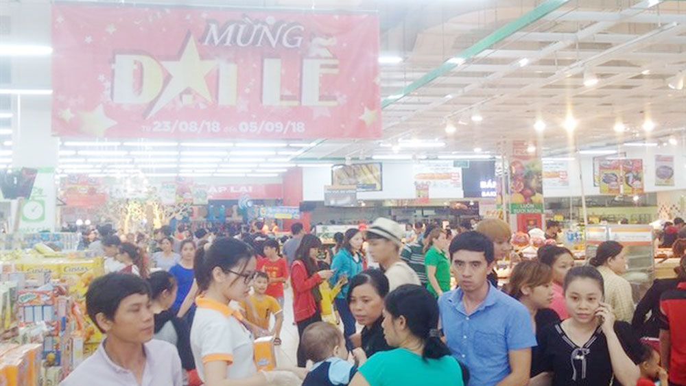 HCM City's supermarkets see sales surge during holidays