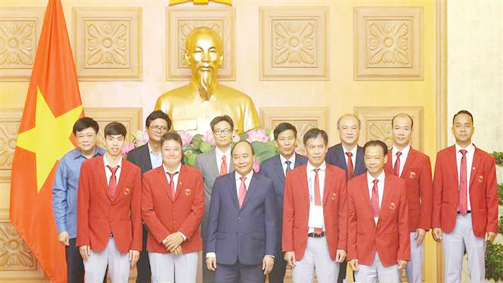 PM meets Vietnam's sports delegation to ASIAD 2018