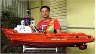 Kỹ sư công nghệ thông tin chế tạo tàu ngầm Kilo điều khiển