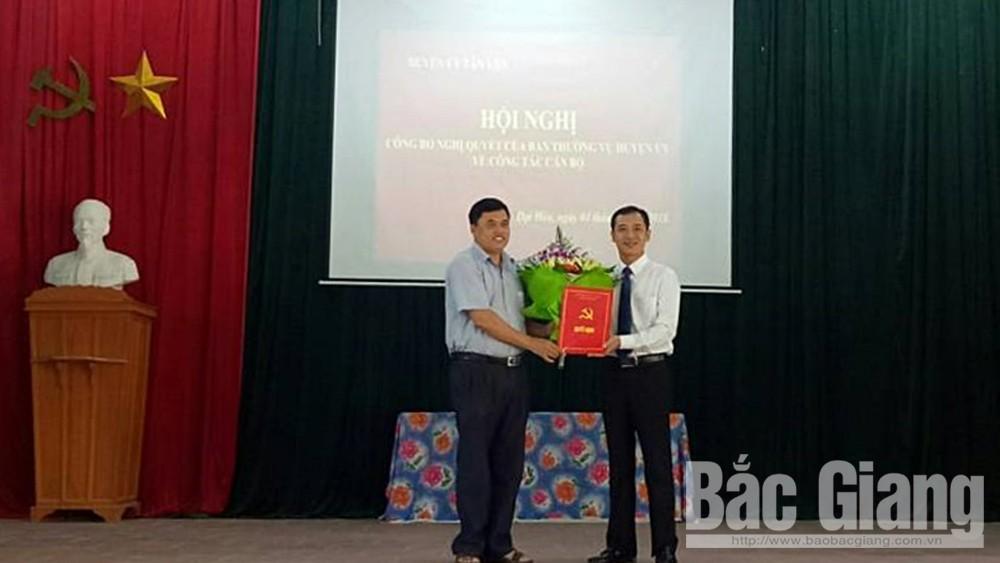 Đồng chí Diêm Đăng Hoạt giữ chức Bí thư Đảng ủy xã Đại Hóa