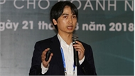 PGS trẻ người Việt muốn đưa robot mềm phục vụ con người