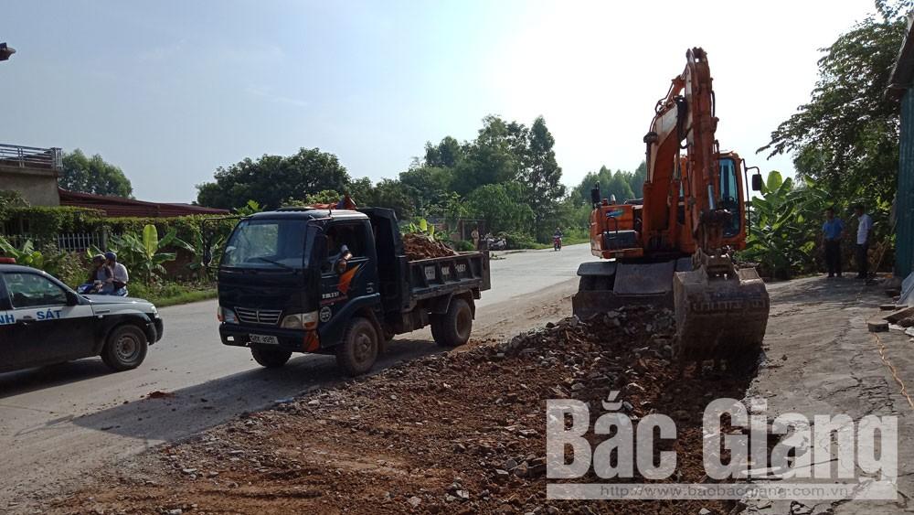Giải tỏa hành lang ATGTnút giao đường tỉnh 293 với đường huyện ĐH8