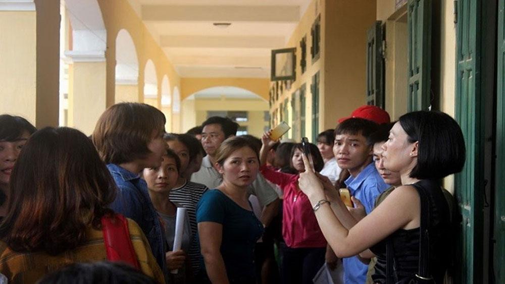 """Trường Tiểu học Sơn Đồng bị """"tố"""" lạm thu: Được mời lên trả lại tiền, phụ huynh từ chối nhận"""