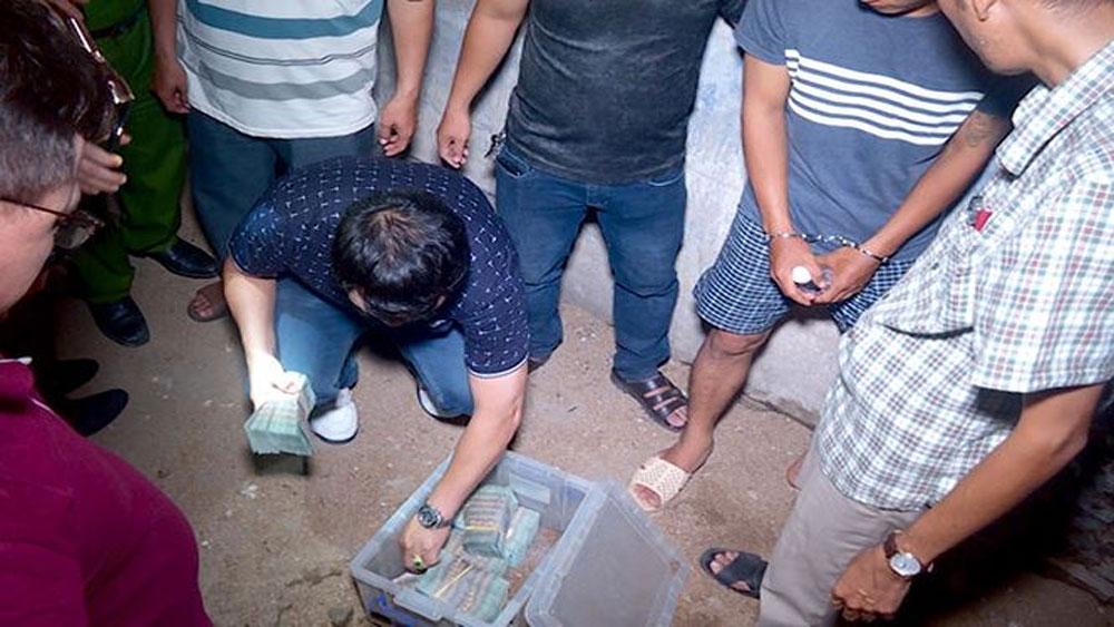 Thu hồi thêm 730 triệu đồng trong vụ cướp ngân hàng ở Khánh Hòa