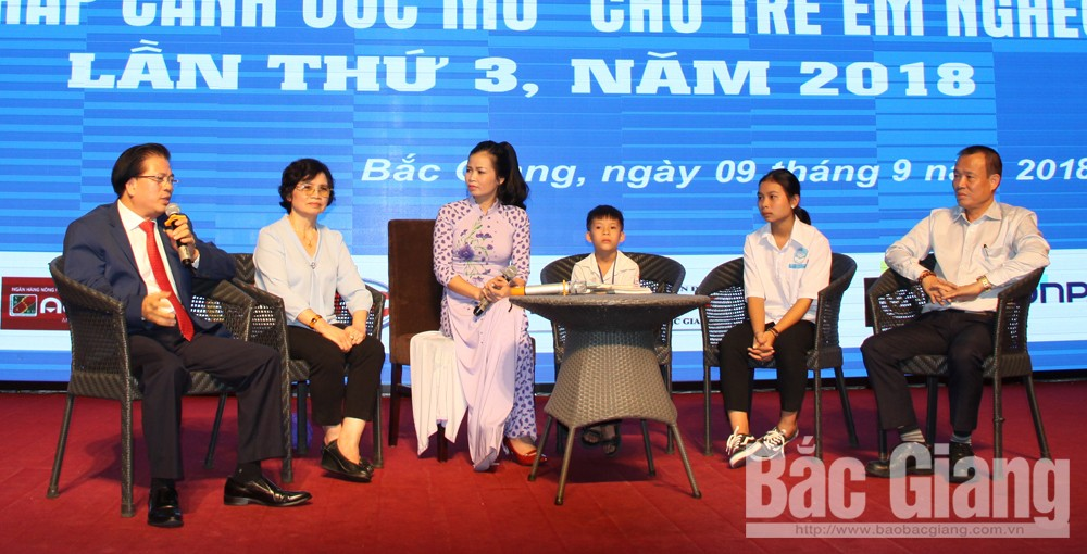 Dream on the wings, humanitarian programme, Bac Giang province, difficulty sharing, disadvantaged children, third event, Bac Giang Newspaper, Protection of Children's Rights, special impoverished children
