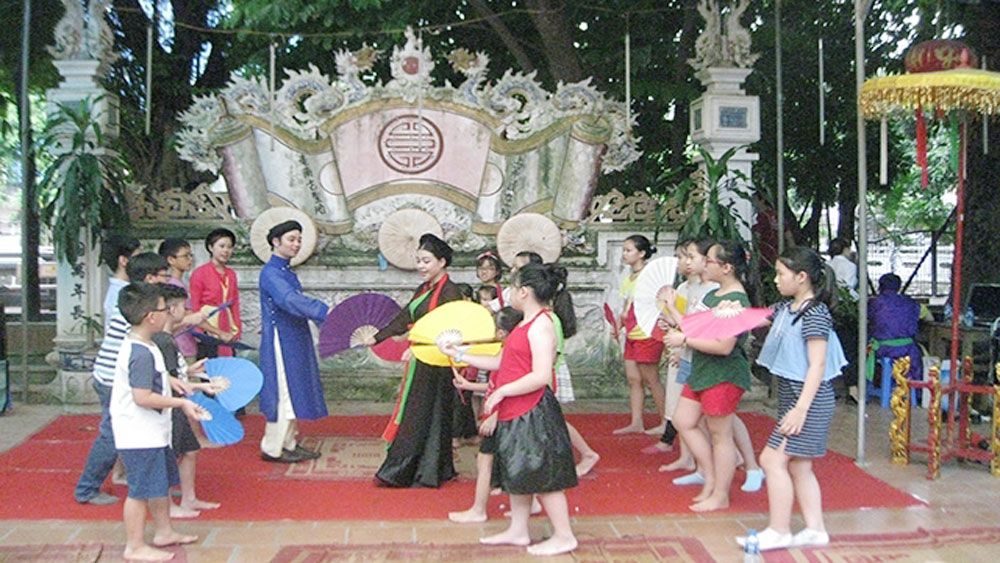 Programme encourages love for Vietnamese traditional opera among Hanoi students