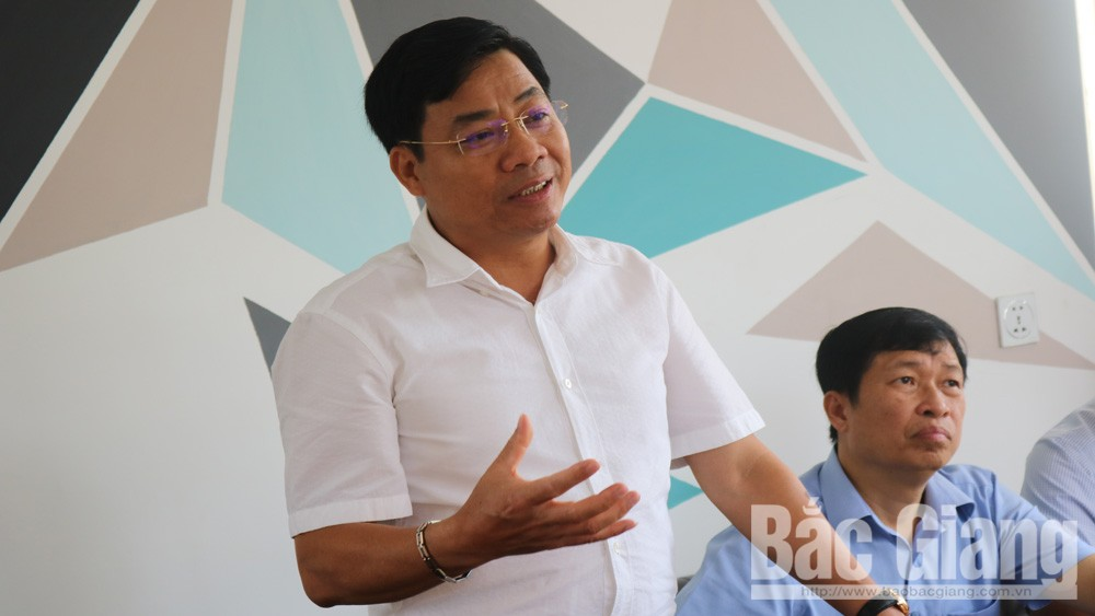 Đồng chí Dương Văn Thái, Phó Chủ tịch UBND tỉnh, Chủ tịch Hiệp hội Doanh nghiệp tỉnh Bắc Giang phát biểu ý kiến.
