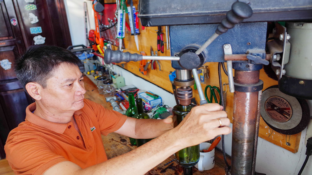 Saigon resident releases passion bottled up for 15 years