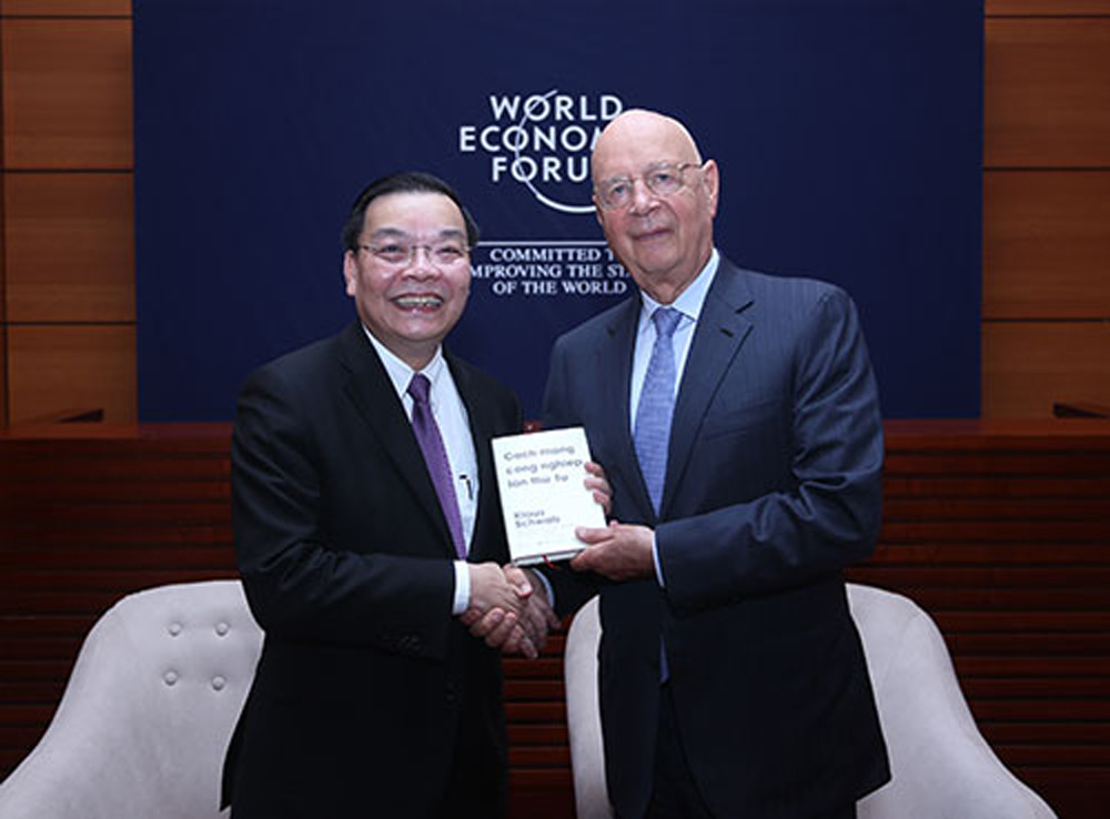 WEF, xây dựng, trung tâm cách mạng 4.0, Việt Nam, Trung Quốc, Singapore