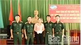 Viettel Bắc Giang trao tiền trợ dưỡng cho thân nhân liệt sĩ vụ rơi máy bay ở Thạch Thất