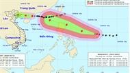 """Bão số 5 gây mưa lớn, siêu bão """"rình rập"""" biển Đông"""