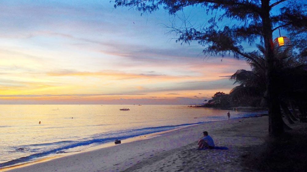 CNN picks Vietnamese island for enjoying autumn on a beach