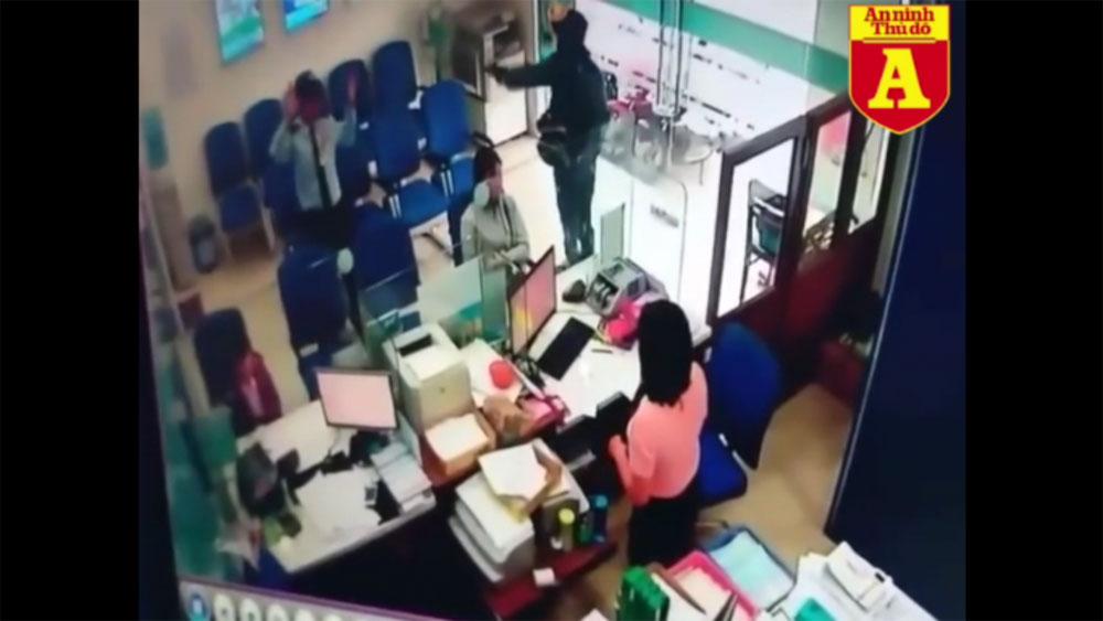 Camera, ghi lại, diễn biến, vụ cướp ngân hàng, táo tợn, Tiền Giang