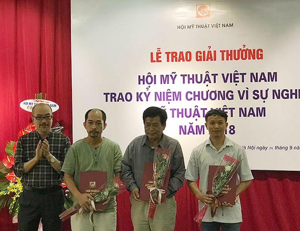 Cuốn sách, 70 năm Hội Mỹ thuật Việt Nam, Giải thưởng Hội Mỹ thuật Việt Nam, Công nghiệp bò