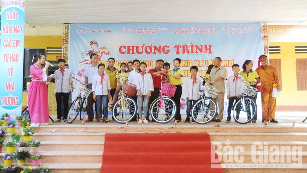 """Mid-Autumn Festival for Children - Wheel of Dream"" programme launched in Bac Giang"