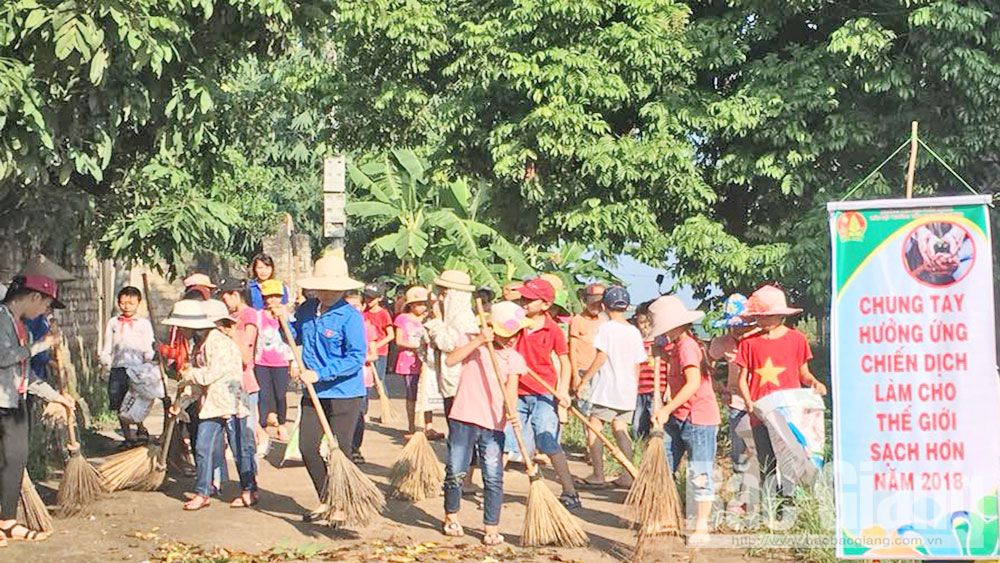 "Bac Giang youth joins hand in ""Make the World Cleaner"" campaign"