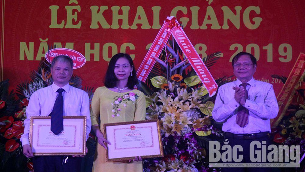 Hơn 1 nghìn cán bộ, giảng viên, sinh viên Trường Cao đẳng Ngô Gia Tự Bắc Giang bước vào năm học mới
