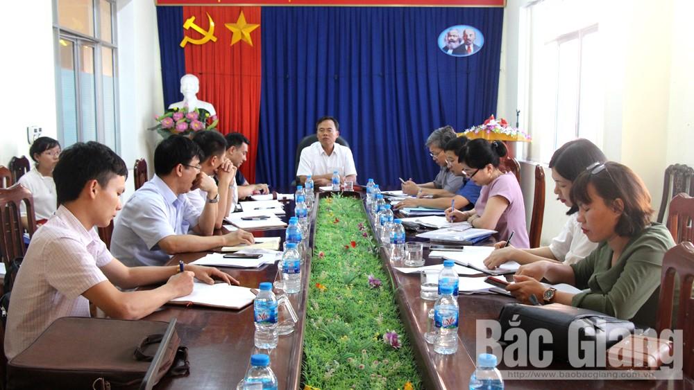Đồng chí Bùi Văn Hạnh, Phó Chủ tịch Thường trực HĐND tỉnh phát biểu chỉ đạo tại Công ty Hạ tầng Phát triển các KCN.