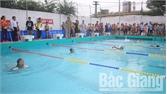 Gần 200 VĐV tham dự giải bơi TP Bắc Giang