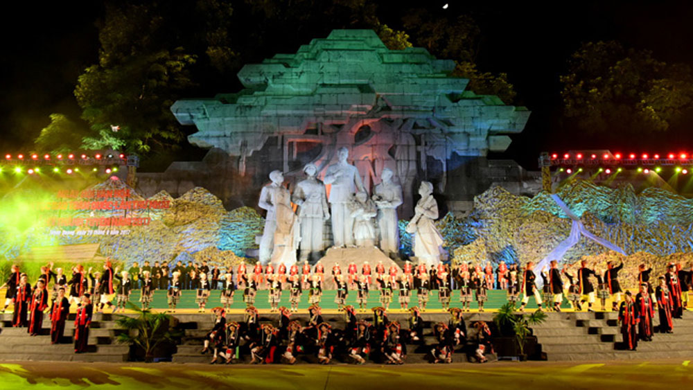 Intangible cultural heritage festival, kicks off, Tuyen Quang province, unique art performances,  four-day event, giant lanterns, international delegations, tourism development, Vietnamese Guinness Records
