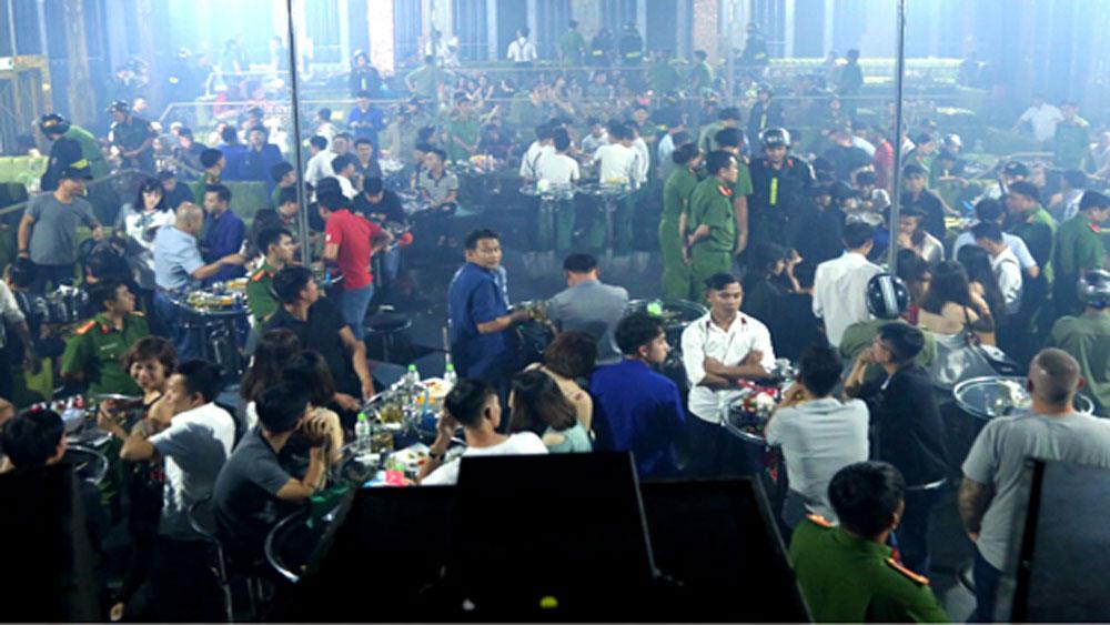 Hàng chục dân chơi dương tính ma túy trong quán bar