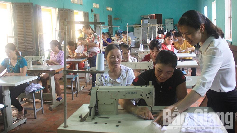 Tân Yên: Tạo việc làm, giúp hội viên phụ nữ vươn lên
