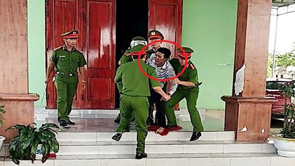 Quảng Bình: Đánh vợ, nhốt 3 con nhỏ tự thiêu do cuồng ghen