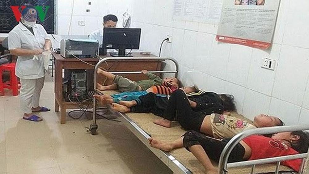 7 người bị ong đốt phải nhập viện cấp cứu