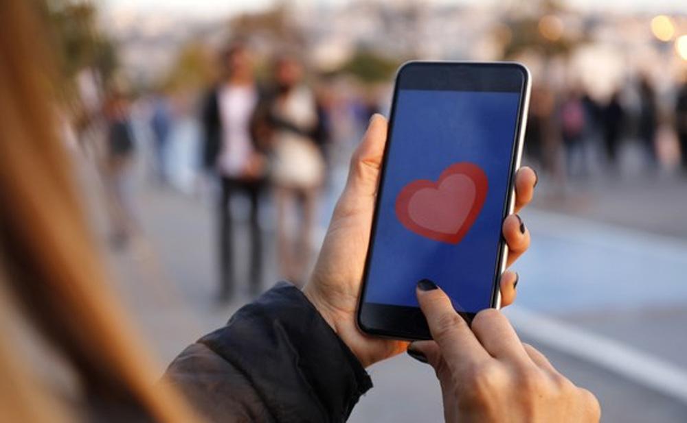 """Facebook thử nghiệm tính năng dịch vụ """"hẹn hò"""""""
