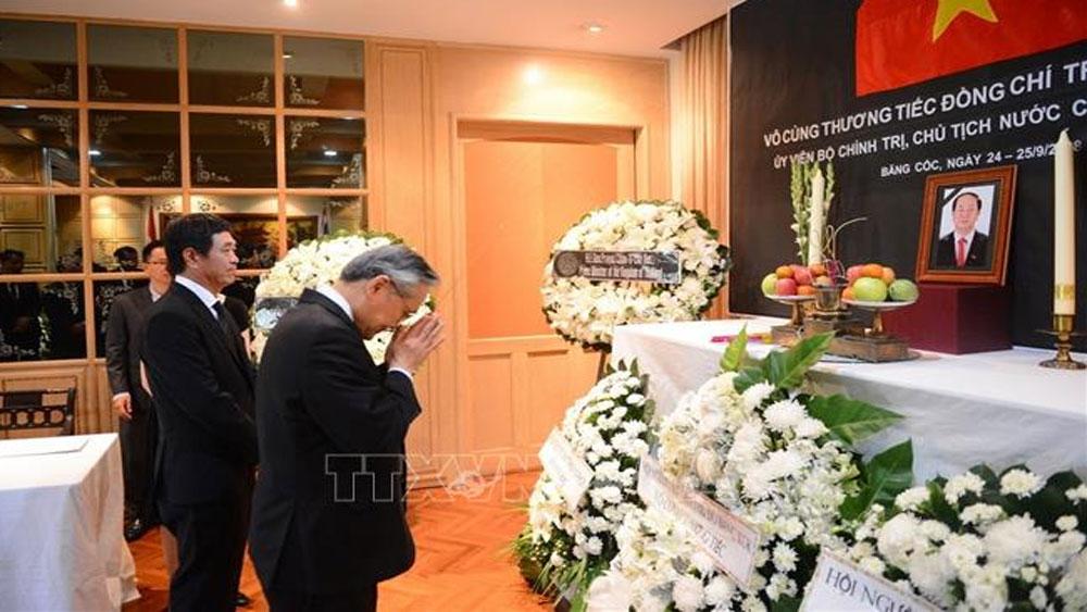 Thủ tướng và Ngoại trưởng Thái Lan viếng cố Chủ tịch nước Trần Đại Quang