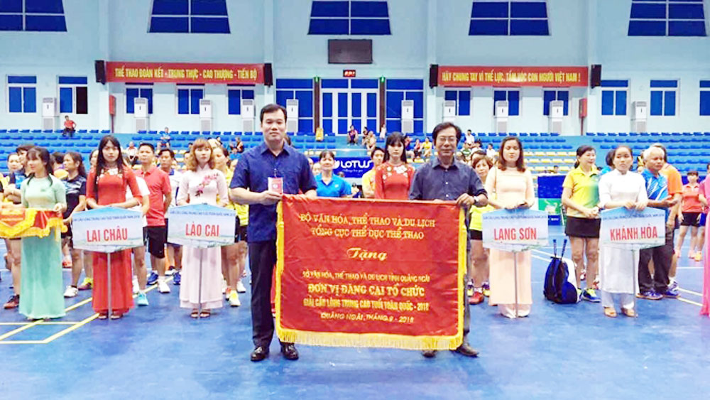 Bac Giang team, national championships, badminton championships, middle aged and old players, Bac Giang province, Quang Ngai province, different age groups, gold winners
