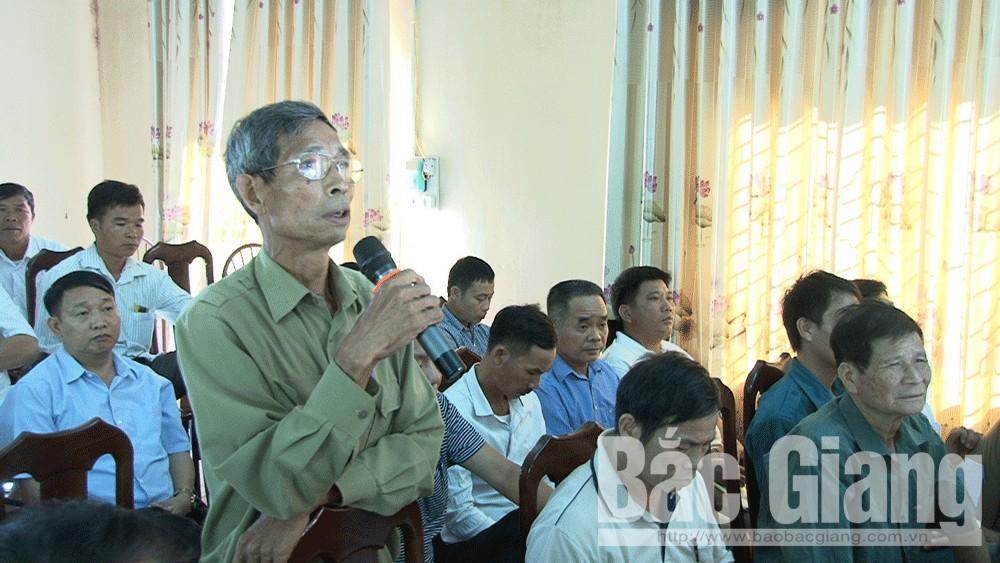 Chủ tịch UBND huyện Lục Ngạn tiếp xúc cử tri xã Tân Sơn và Cấm Sơn