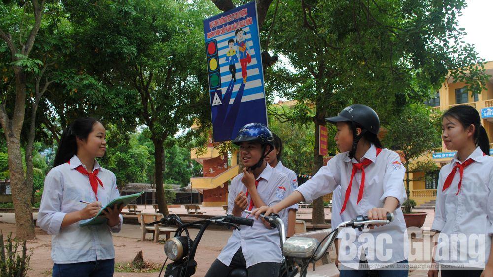cổng trường an toàn giao thông, cấm ô tô, xe máy đi trong trường, an toàn học đường