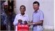 Phó Chủ tịch UBND tỉnh Lê Ánh Dương tặng quà người cao tuổi tiêu biểu huyện Hiệp Hòa