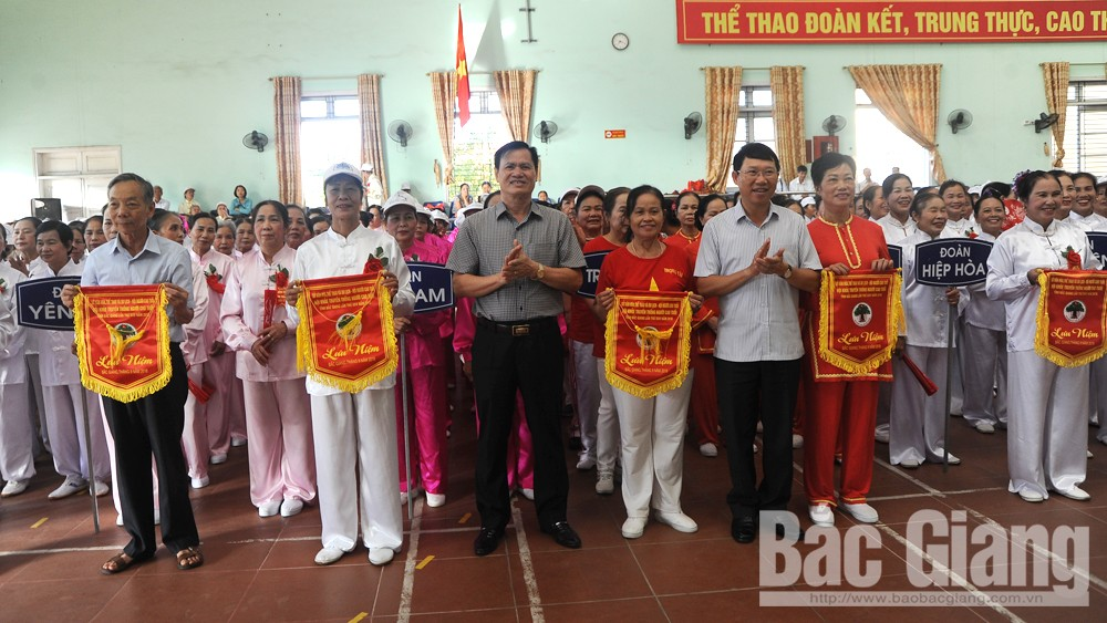 Khai mạc Hội khỏe truyền thống Người cao tuổi tỉnh Bắc Giang