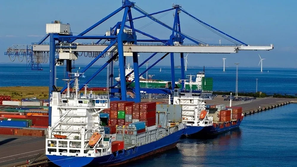 Sharp surge in shipments through seaports