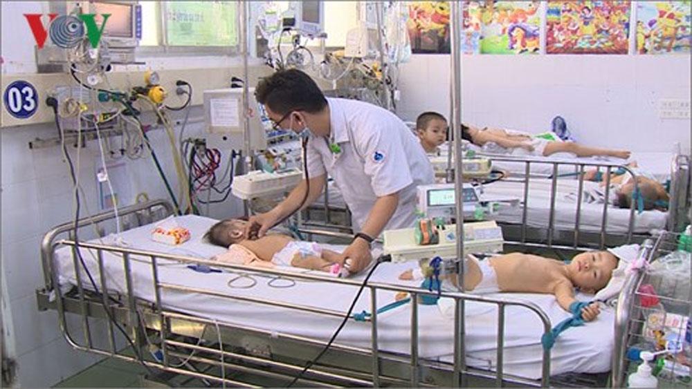 Dịch bệnh tấn công trẻ nhỏ, cảnh báo nguy cơ dịch chồng dịch