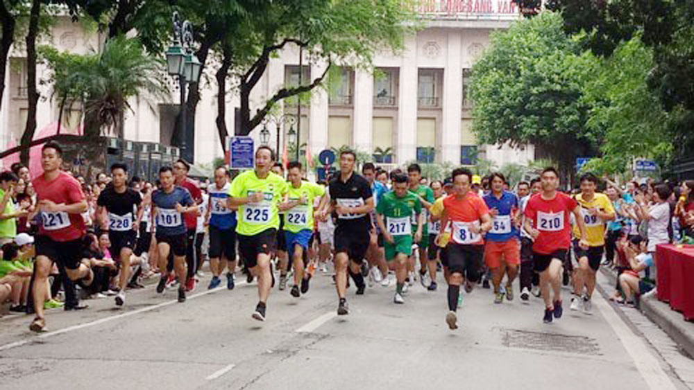1,500 athletes competes in 45th Ha Noi Moi Newspaper Run