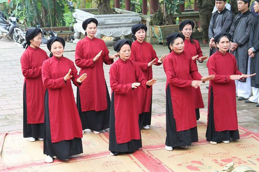 Phu Tho province, tourism potential, world and national cultural heritage, breakthrough measures, must-visit destination, domestic and international tourists, worshipping rituals