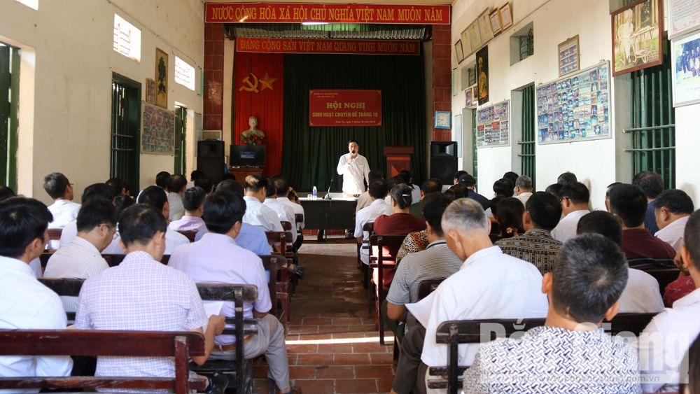 Sinh hoạt chi bộ điểm theo chuyên đề tại thôn Tự xã Bích Sơn