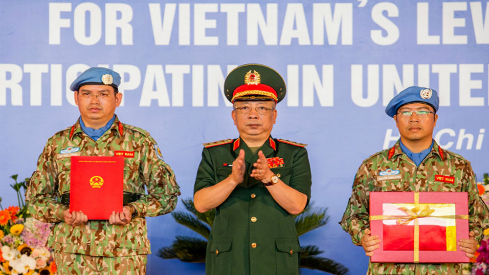Vietnamese doctors leave for South Sudan on first UN peacekeeping mission